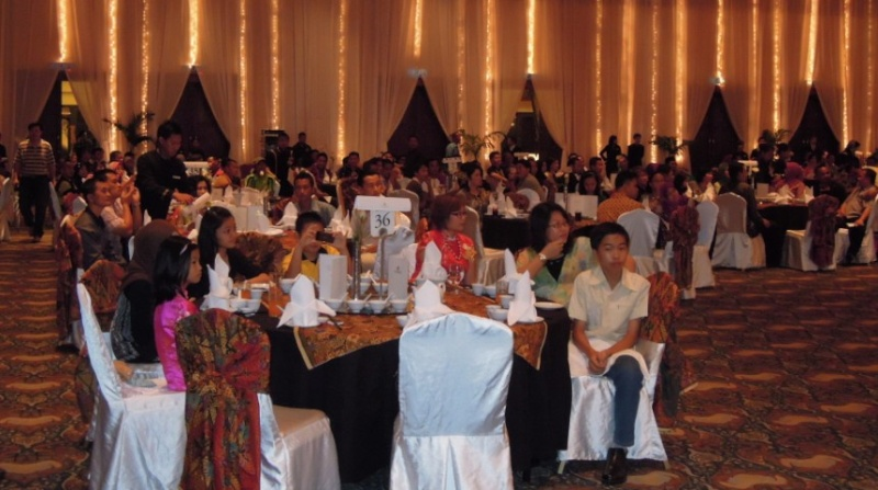 Unity In Diversity Through KSH JPS Sabah Dinner 2012 1521