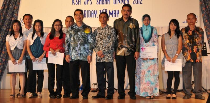 Unity In Diversity Through KSH JPS Sabah Dinner 2012 - Page 5 1622