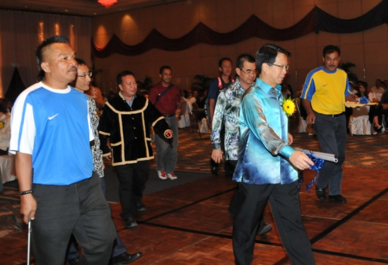 Unity In Diversity Through KSH JPS Sabah Dinner 2012 - Page 4 1820