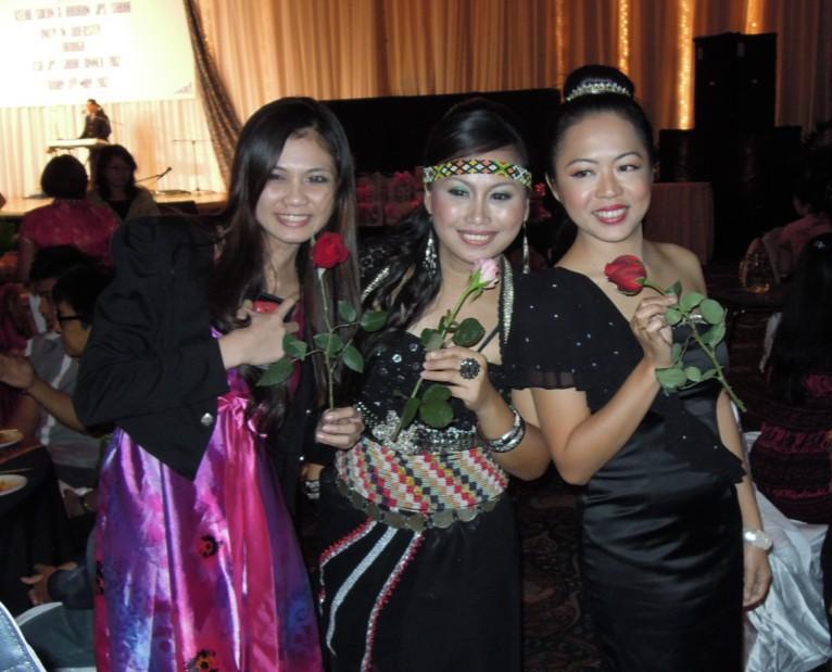 Unity In Diversity Through KSH JPS Sabah Dinner 2012 - Page 5 2316