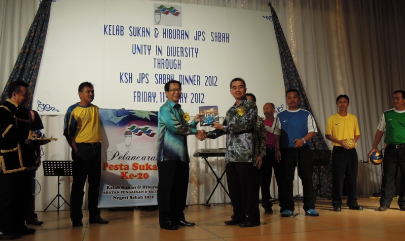 Unity In Diversity Through KSH JPS Sabah Dinner 2012 - Page 4 2714