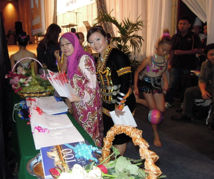 Unity In Diversity Through KSH JPS Sabah Dinner 2012 - Page 3 2812