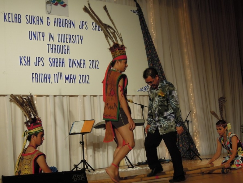 Unity In Diversity Through KSH JPS Sabah Dinner 2012 - Page 5 2915