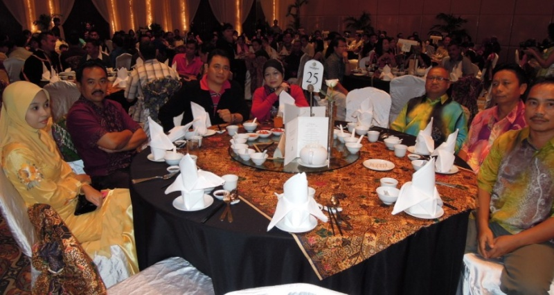 Unity In Diversity Through KSH JPS Sabah Dinner 2012 - Page 2 448