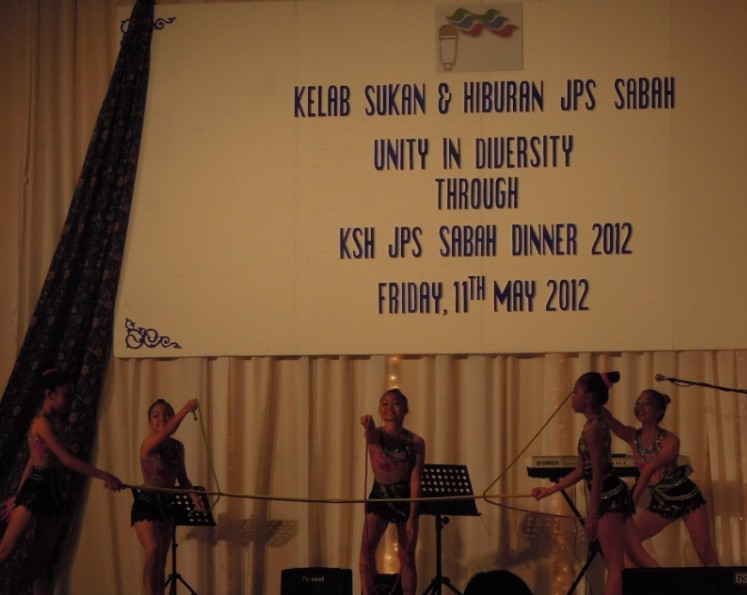 Unity In Diversity Through KSH JPS Sabah Dinner 2012 - Page 3 739