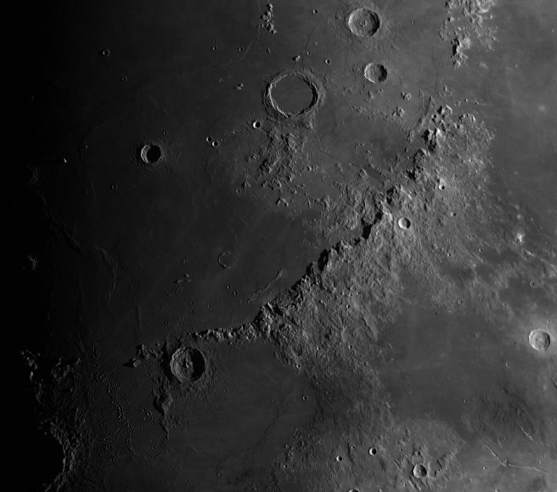 La Lune - Page 17 Alpes212