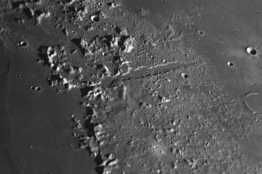 La Lune - Page 17 Rimae510