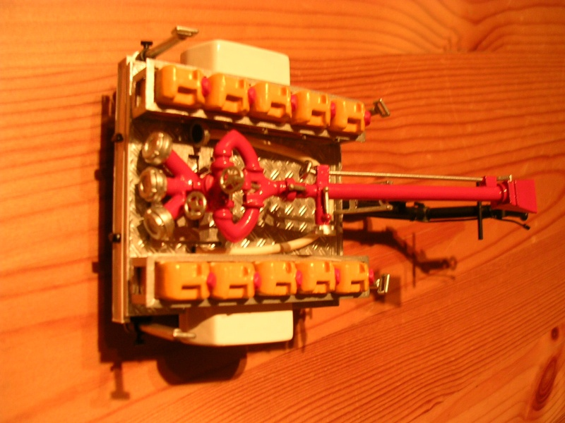 Schaum- Wasserwerferanhänger der FW Gummersberg Dscn7610