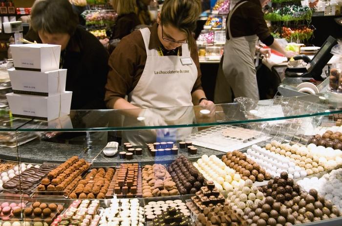 Swiss cesse sa collaboration avec le chocolatier Läderach À CAUSE DES POSITIONS PROVIE du directeur! Downlo24