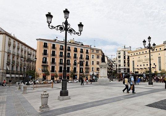 El Madrid de los Borbones (II): del Teatro Real a la estación de Príncipe Pío Edific11