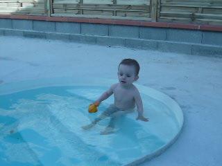 Premier bain de l'année pour moi :-D P1020310