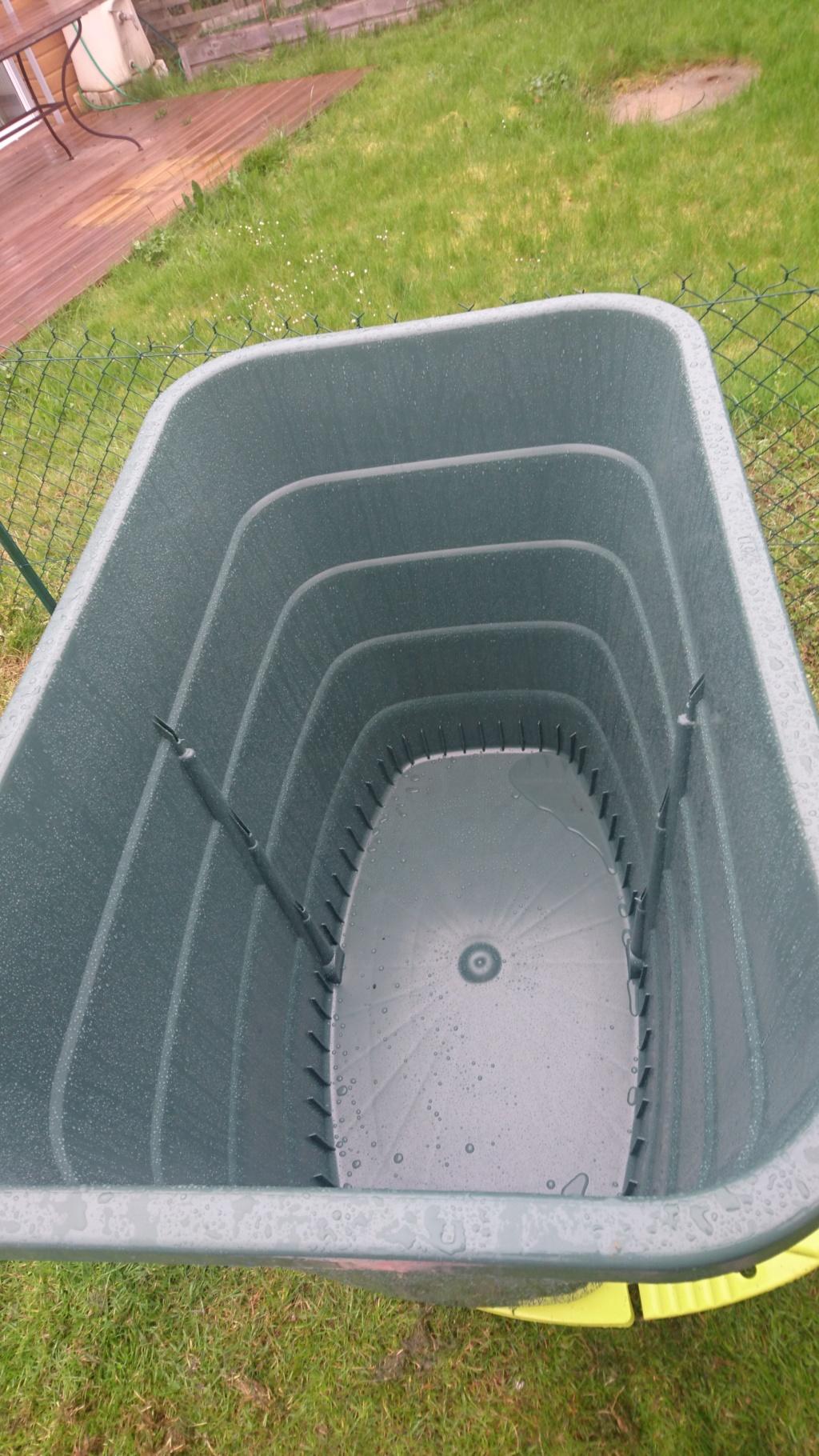 Récupérateur d'eau de pluie Dsc_0210