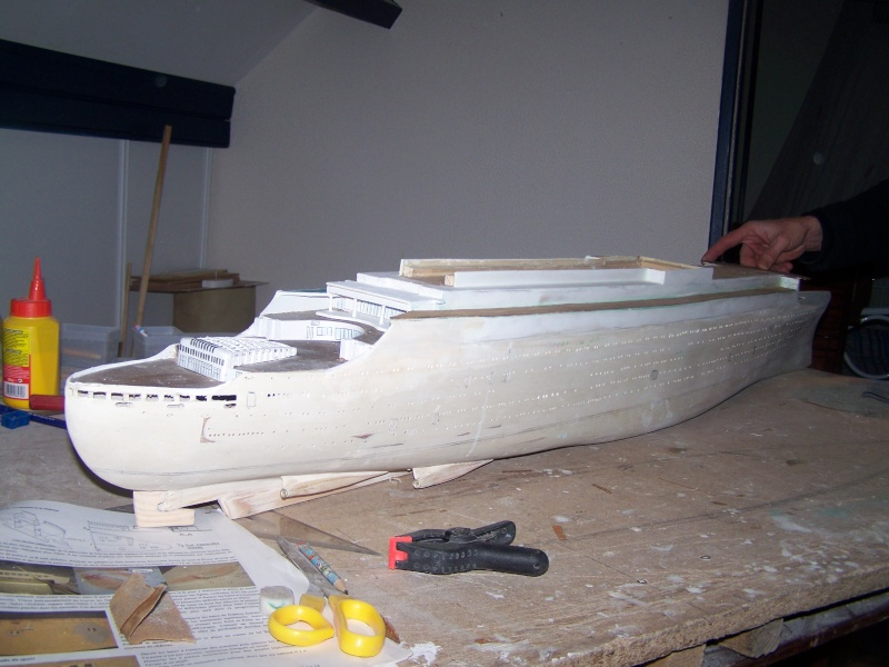 Construction du Paquebot FRANCE au 1/200 plan MRB en 2010 100_2411