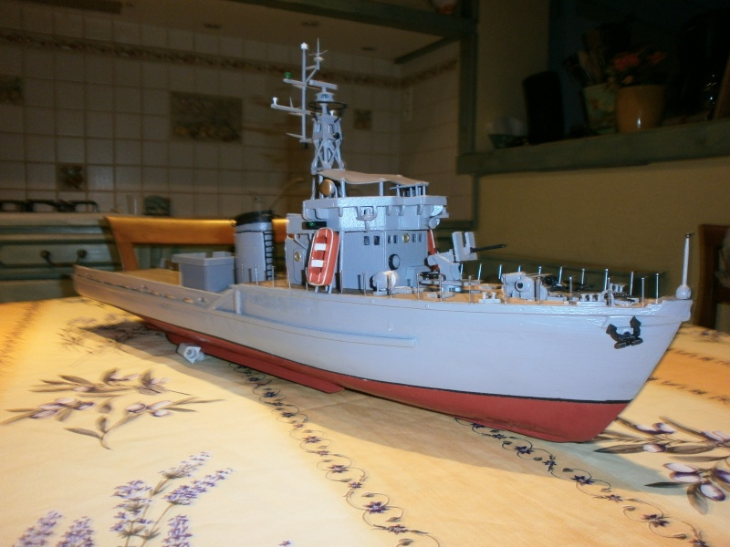 Dragueur de mines côtier type D classe SIRIUS 1/66 malva62 - Page 2 P3040012