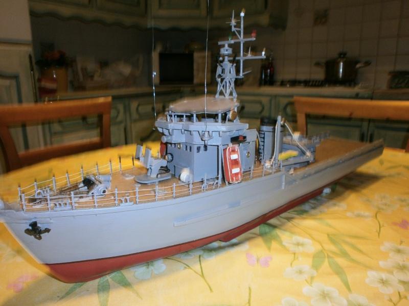 Dragueur de mines côtier type D classe SIRIUS 1/66 malva62 - Page 2 P3140012