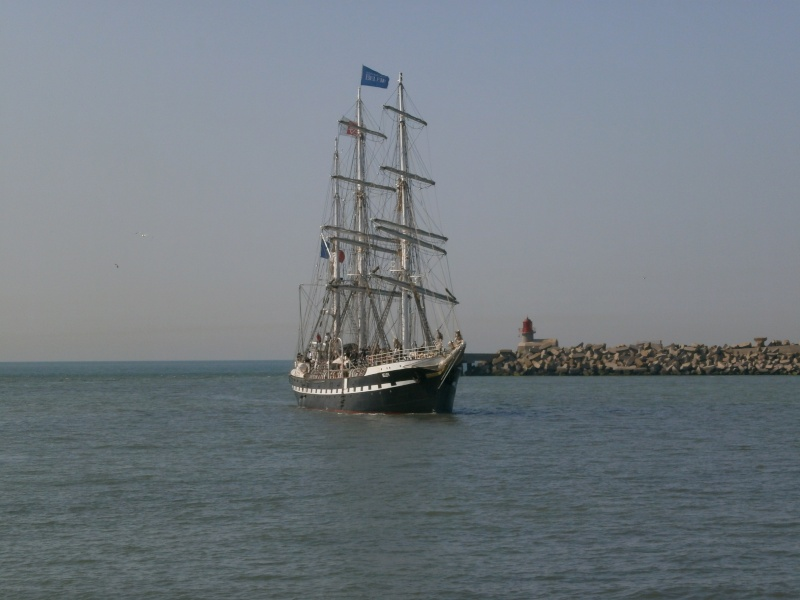 Arrivée du BELEM au port de Calais aujourd'hui P5290010