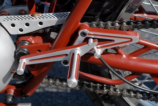 """Triumph """"TTR"""" spéciale !!  16854410"""