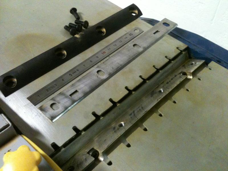 Réglage des ciseaux/fers de raboteuse dégauchisseuse Img_0810