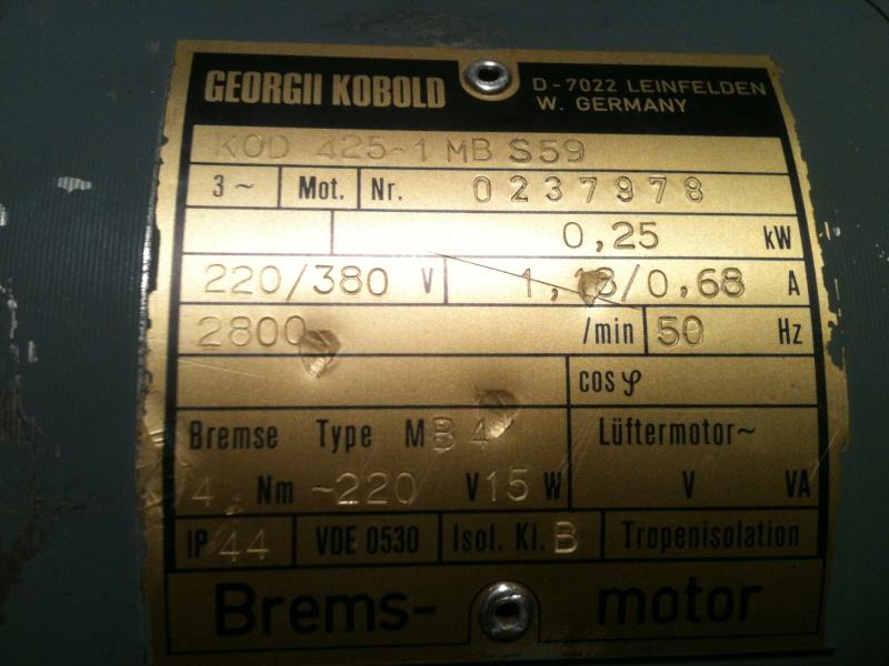 Besoin d'aide pour un motoréducteur 220/380 Img_1811