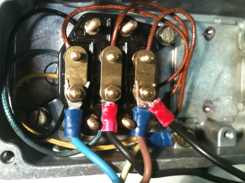 Besoin d'aide pour un motoréducteur 220/380 Img_1816