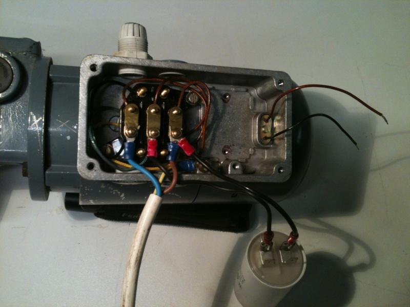 Besoin d'aide pour un motoréducteur 220/380 Img_1817