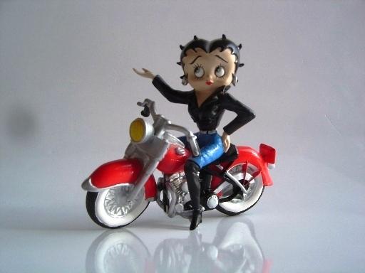 Jouets, jeux anciens et miniatures sur le monde Biker - Page 2 Betty10