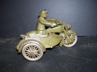 Jouets, jeux anciens et miniatures sur le monde Biker - Page 2 Miniat10