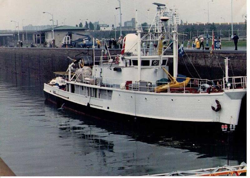 piani  -scr - la Calypso di cousteau autocostruita su piani museo della marina parigi - Pagina 3 Calyps10
