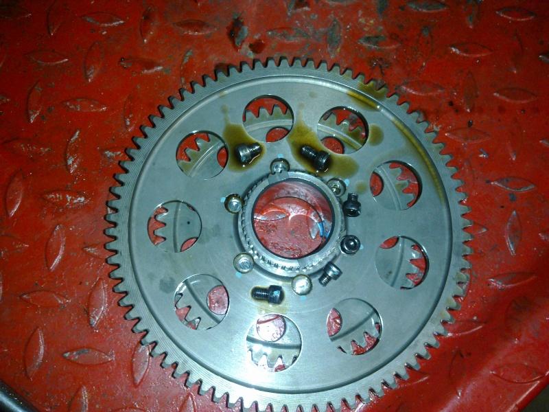 fini les vibrations!! par contre casse et démarreur n'entraine plus le moteur 19012010