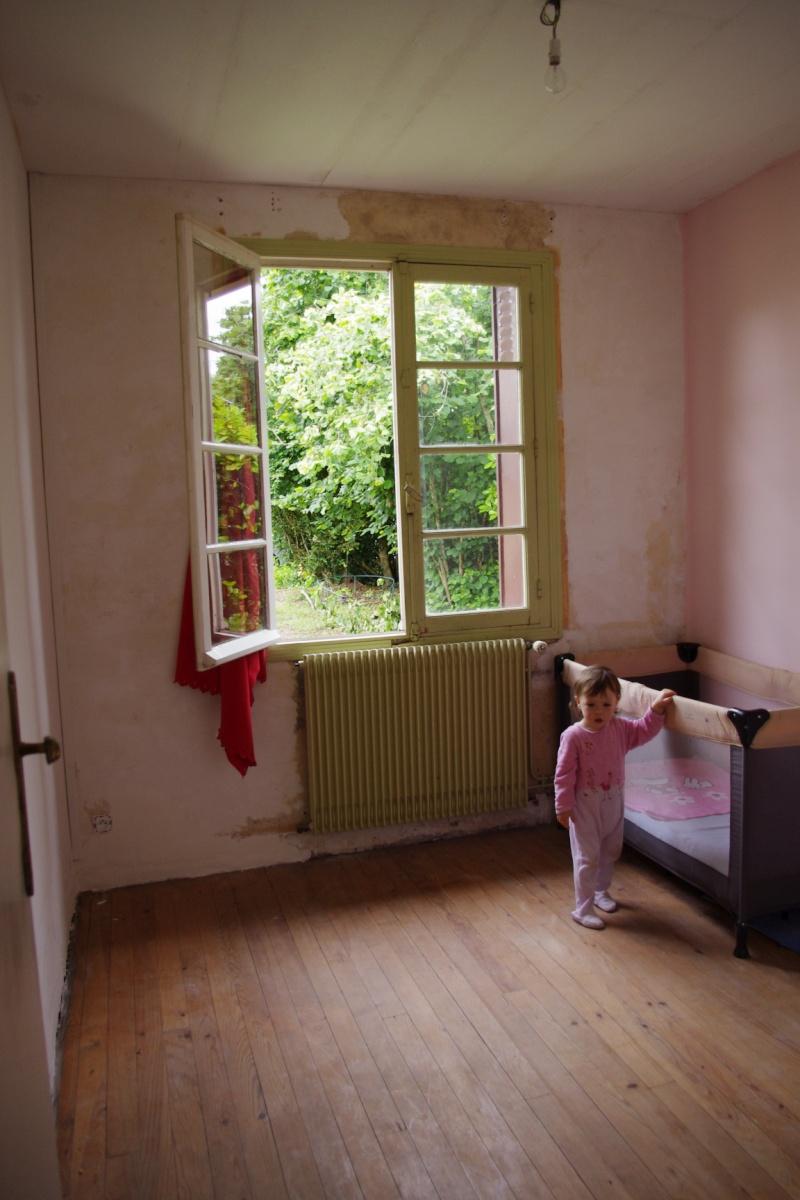 Maison à rafraîchir : La chambre de ma fille de 2 ans ? 2 murs peints, ça avance ! Page 4 - Page 3 2012_016