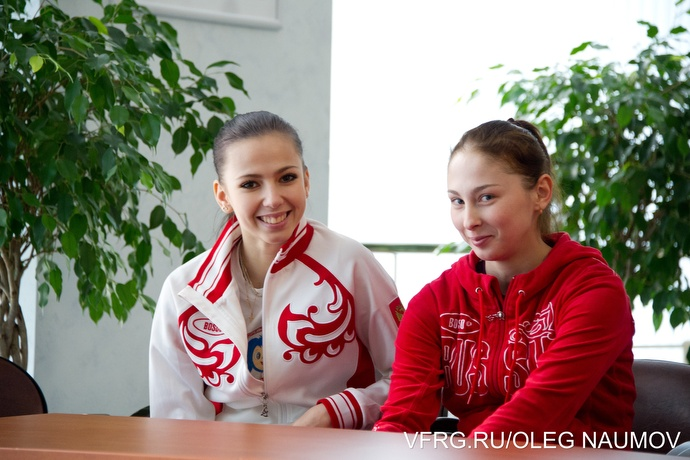 Amitié entre les gymnastes Ensemb10