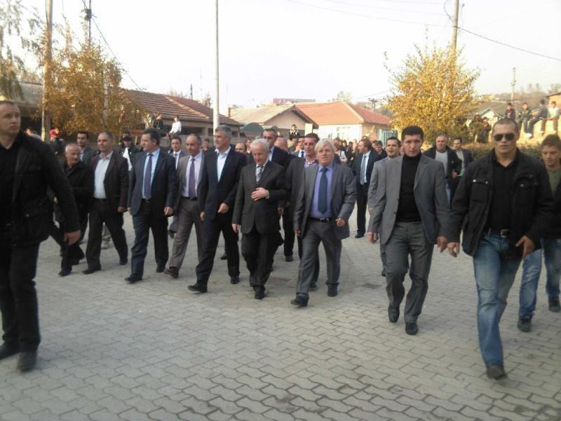 """Perurimi i rruges se re """"16 Korriku"""" ne Hoqe te Qytetit 02.11.2011 (foto) 1013"""