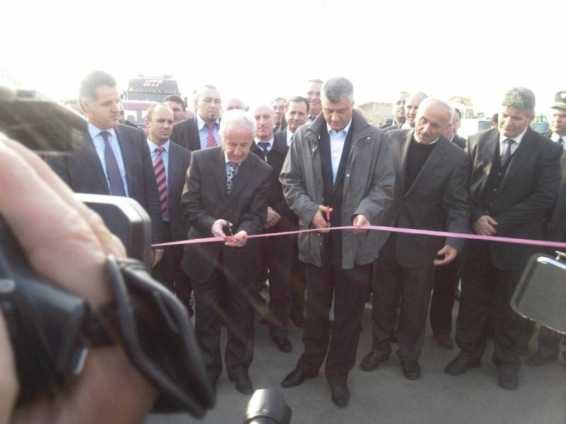 """Perurimi i rruges se re """"16 Korriku"""" ne Hoqe te Qytetit 02.11.2011 (foto) 117"""