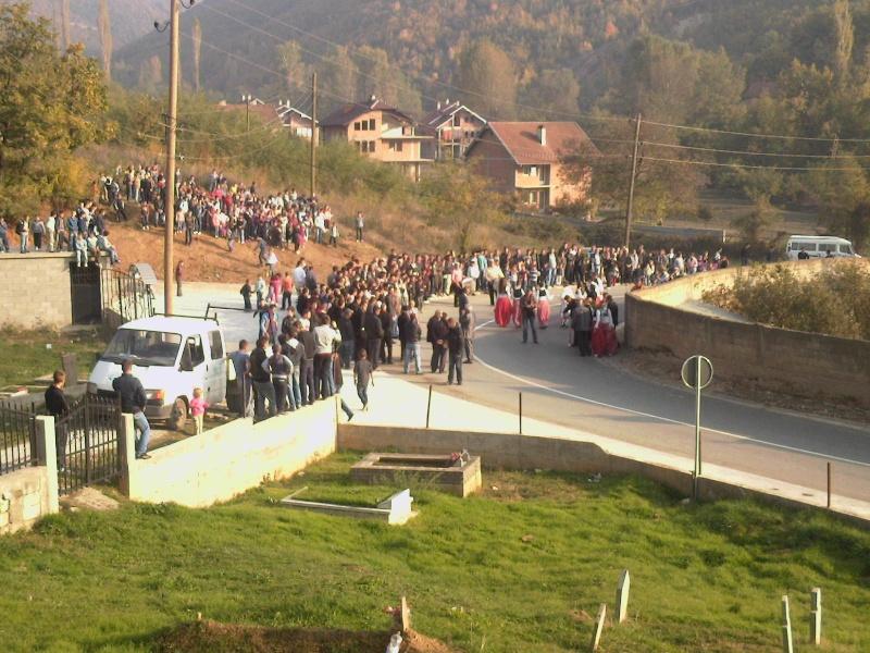 """Perurimi i rruges se re """"16 Korriku"""" ne Hoqe te Qytetit 02.11.2011 (foto) 217"""