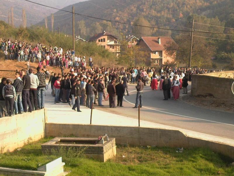 """Perurimi i rruges se re """"16 Korriku"""" ne Hoqe te Qytetit 02.11.2011 (foto) 414"""