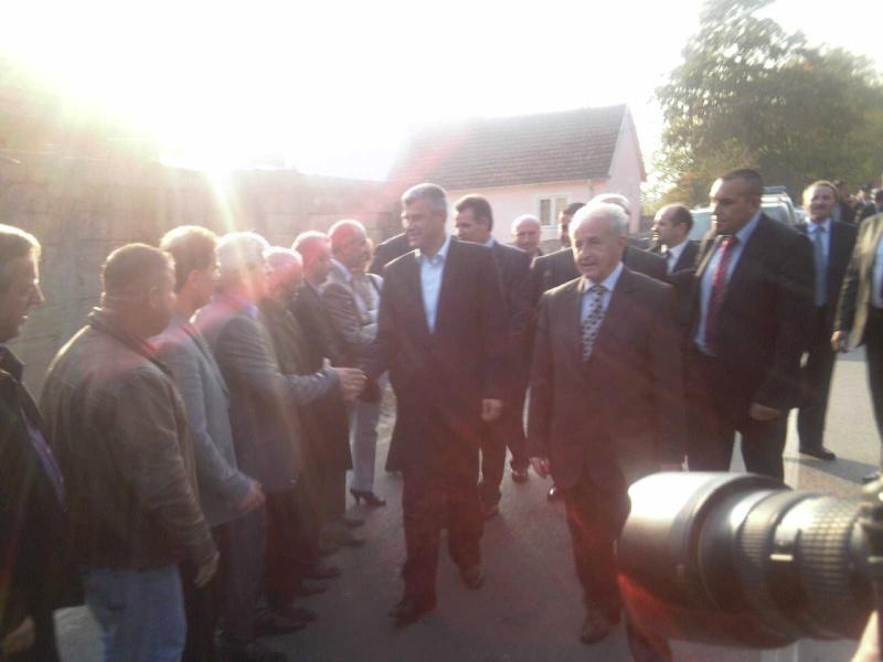 """Perurimi i rruges se re """"16 Korriku"""" ne Hoqe te Qytetit 02.11.2011 (foto) 516"""
