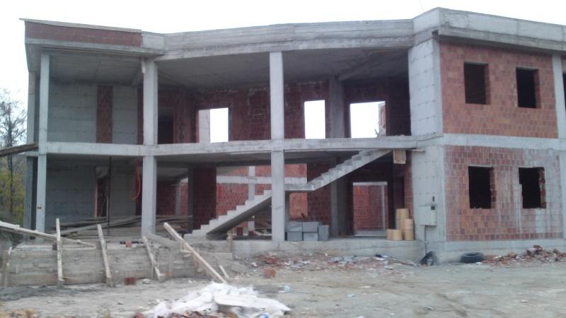 Ndërtimi i shtëpisë së kulturës në Hoqë te Qytetit (foto) 23.11.2012 520