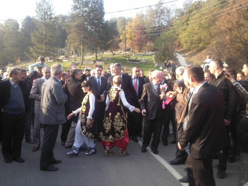 """Perurimi i rruges se re """"16 Korriku"""" ne Hoqe te Qytetit 02.11.2011 (foto) 615"""