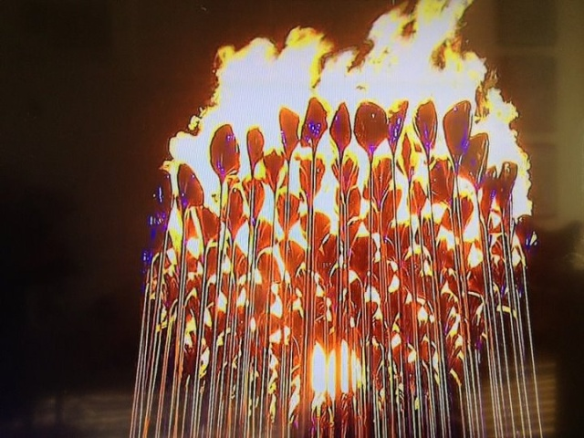 Londres 2012 - Blog Olympique... - Page 3 Flamme11