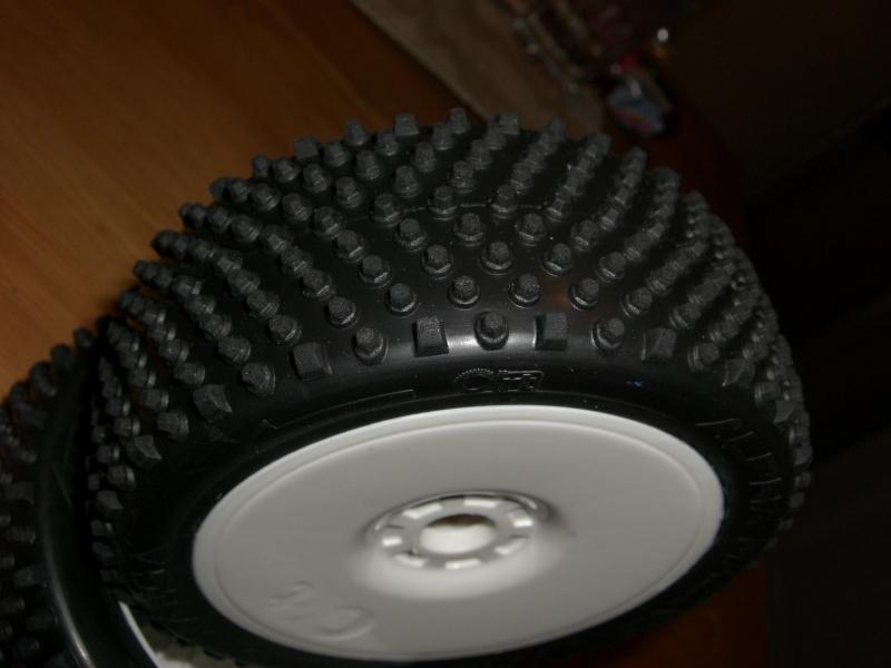 pneu alpha racing tyres Cimg4223