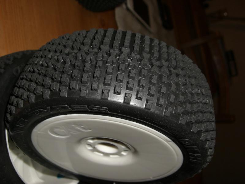 pneu alpha racing tyres Cimg4224