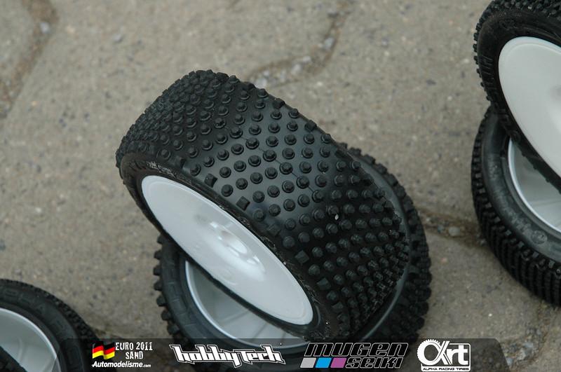 pneu alpha racing tyres Dsc00010