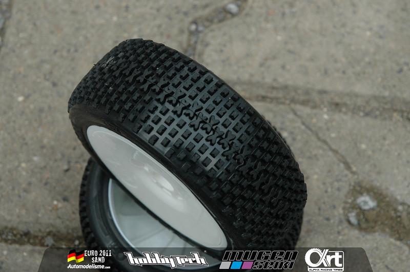 pneu alpha racing tyres Dsc00110
