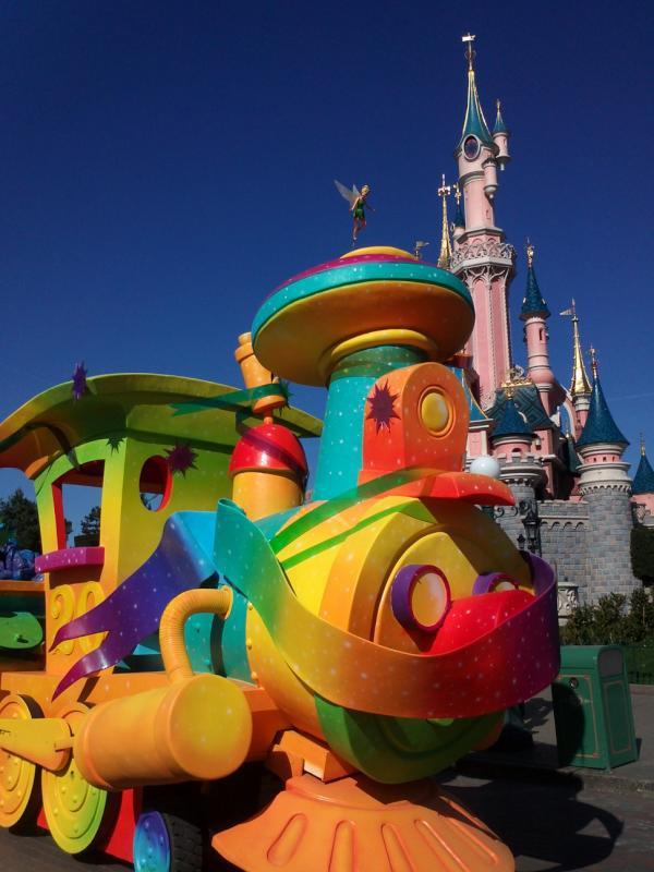 Le 20ème anniversaire de Disneyland paris  - Page 38 53043610
