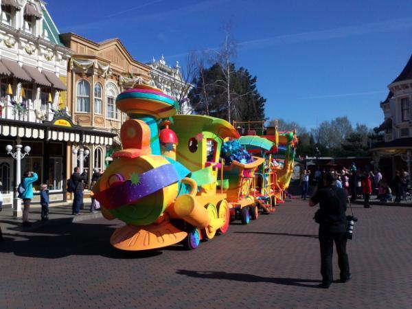 Le 20ème anniversaire de Disneyland paris  - Page 38 56196110