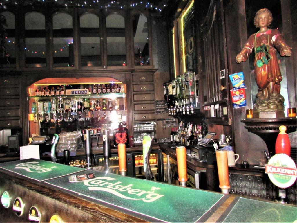 STREET VIEW : les pubs, une invitation à entrer... Img_3612