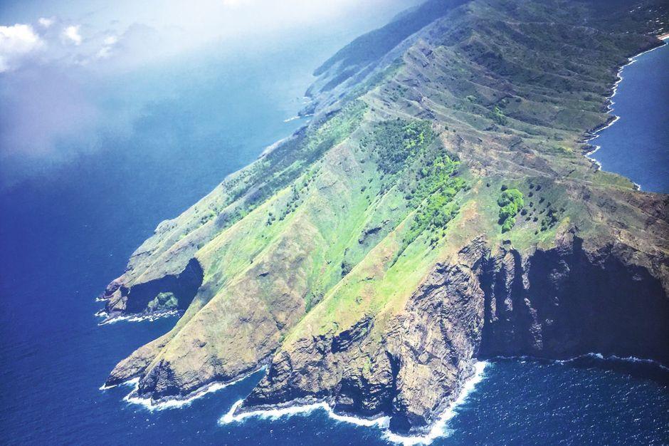 Jacques Brel & Atterrissage à l'aéroport de Nuku-Hiva aux Marquises !! !! Les-ma10