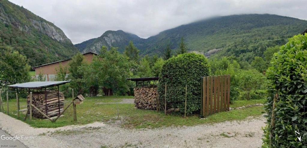 Street View : Les boites aux lettres insolites - Page 6 Savoie10