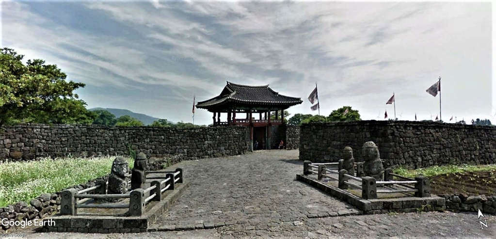 Seongeup Folk Village (성읍민속마을), Seongeupjeonguihyeon-ro, Pyoseon-myeon, District de Namjeju, Jeju-do, Corée du Sud Seonge11