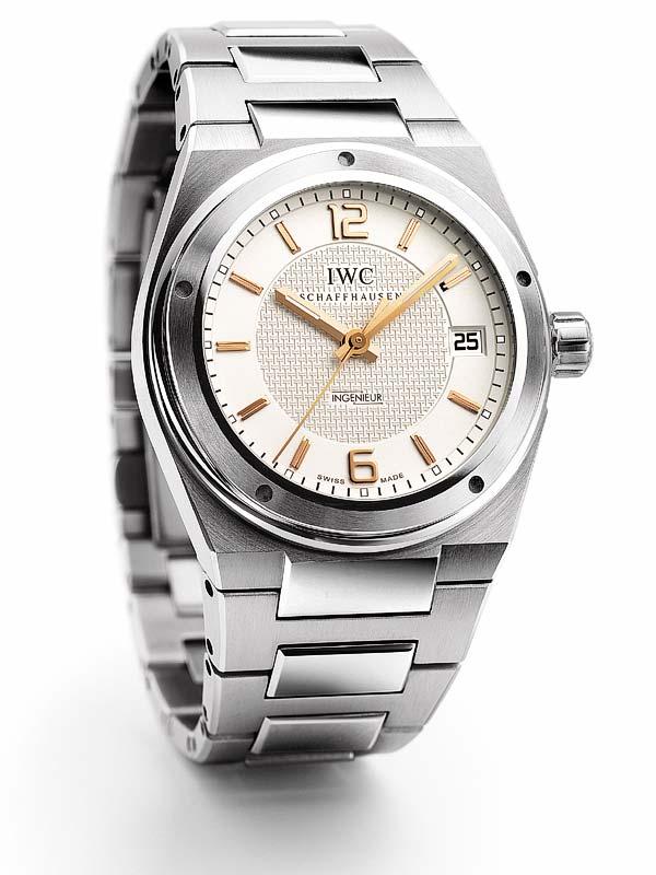 Aide pour un choix de montre (remontage manuel) ? 2249510